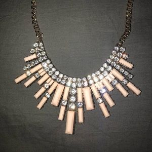 🦋Forever 21 statement necklace